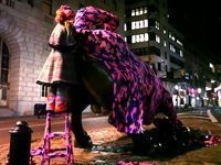 OLEK AND THE CHARGING BULL ON WALL STREET on Vimeo | Street art | Scoop.it