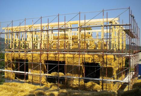 Paglia: dai campi ai cantieri - Edilcantiere | Costruire con le balle di paglia www.caseinpaglia.it | Scoop.it