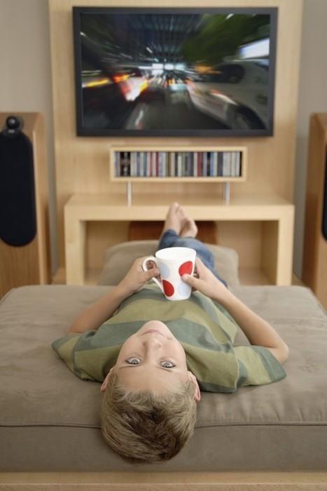 Bimbi e TV: il più tardi possibile e per non più di 2 ore al giono - Mamme.it | Giochi e cartoni | Scoop.it