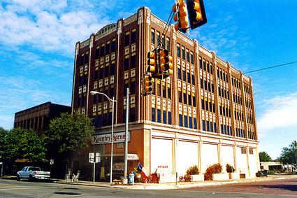Invisible Energy Pileups: The Hidden Savings in Mid-Sized Commercial Buildings - Triple Pundit | Développement durable et efficacité énergétique | Scoop.it