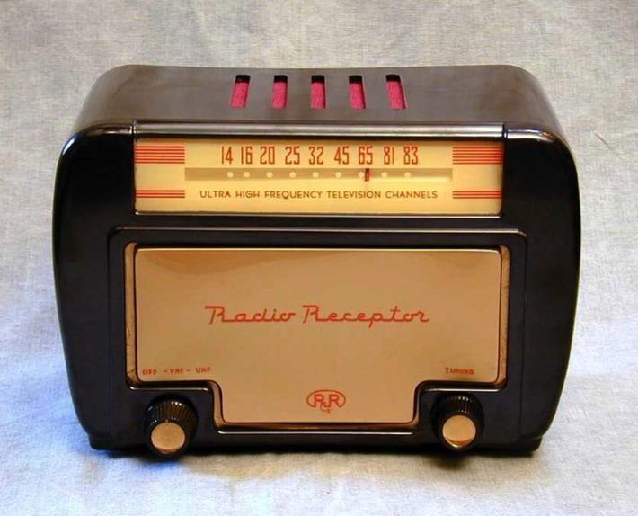 UHF Radio | Antiques & Vintage Collectibles | Scoop.it