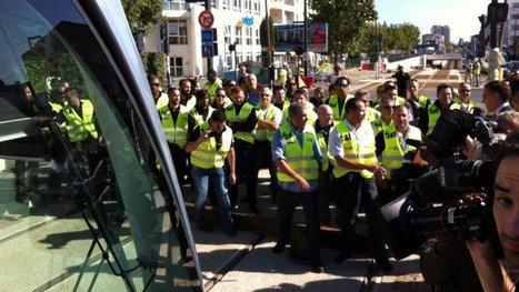 Toulouse : le premier tramway bloqué par des agents de Tisséo | Toulouse La Ville Rose | Scoop.it