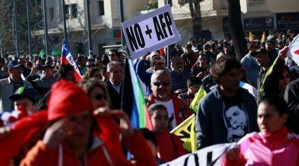 Nueva MARCHA en Chile CONTRE el sistema de pensiones privado | MAZAMORRA en morada | Scoop.it