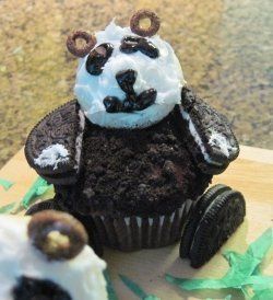 How to Decorate Panda Cupcakes   Fun Food   Scoop.it