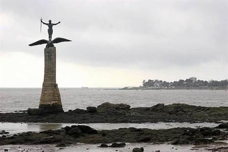 Porté par les ailes de l'aigle américain . Info - Saint-Nazaire.maville.com | l'art et la guerre 3 pfp2 | Scoop.it
