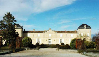 Le Château Calon Ségur vendu à une compagnie d'assurance ... | Ma Cave En France | Scoop.it
