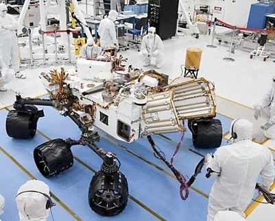 Each of the four corner wheels on Curiosity can swivel independently of the others | VIM | Scoop.it