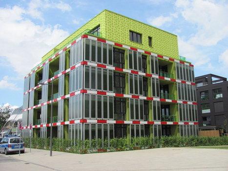 Hamburg Now Has an Algae-Powered Building   Peer2Politics   Scoop.it