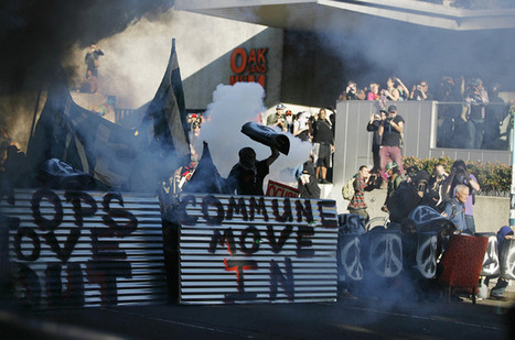 Occupy protesters clash with Oakland police | Epic pics | Scoop.it