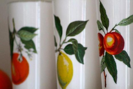 Spoonful of Vintage: Retro Decor Tips: Spicing up Kitchen Shelves | Vintage living | Scoop.it