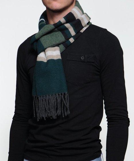 Le manteau et l'écharpe les essentiels de la tenue hivernale   Veille internet   Scoop.it