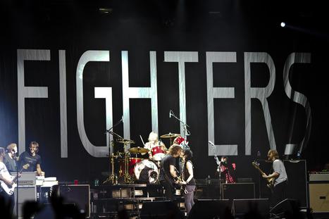 PHOTO: Foo Fighters with Joan Jett, deLuna fest... | SongsSmiths | Scoop.it