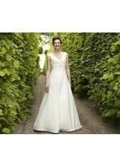 A Line V Neck Brush Train Lace Ivory Wedding Dress H1ly0009 for $990 | Landybridal 2014 wedding dress | Scoop.it