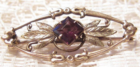 Vintage 10 KT Gold Victorian Revival Brooch Collar Pin   Vintage Jewelry   Scoop.it