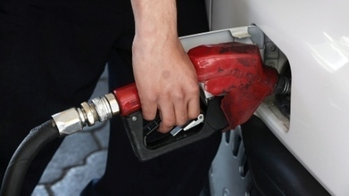 Oil prices drop, gas prices follow - CBC.ca | Global Oil | Scoop.it