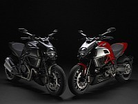 Muscle Bike Trio: Ducati Diavel, Yamaha VMAX and Triumph Rocket III | autoevolution | Ductalk Ducati News | Scoop.it