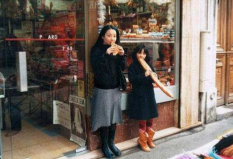 Photographer Inserts Her Adult Self Next to Her Childhood Self in Family Photographs | Love Your Body | Scoop.it