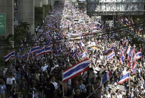 Thousands of Protesters March in Bangkok Against Amnesty Bill - Voice of America | Gan Vajiravudh | Scoop.it