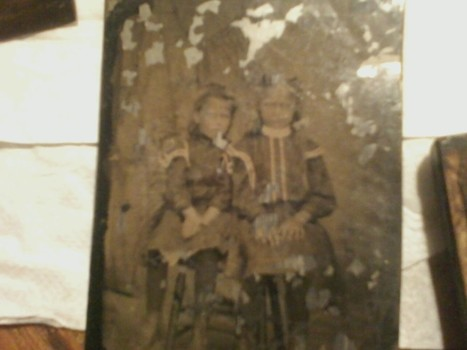 Antique Metal Picture of Children | Antiques & Vintage Collectibles | Scoop.it