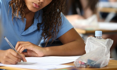 GCSE results: English pass rates drop for first time in 20 years | Applied linguistics and knowledge engineering | Scoop.it