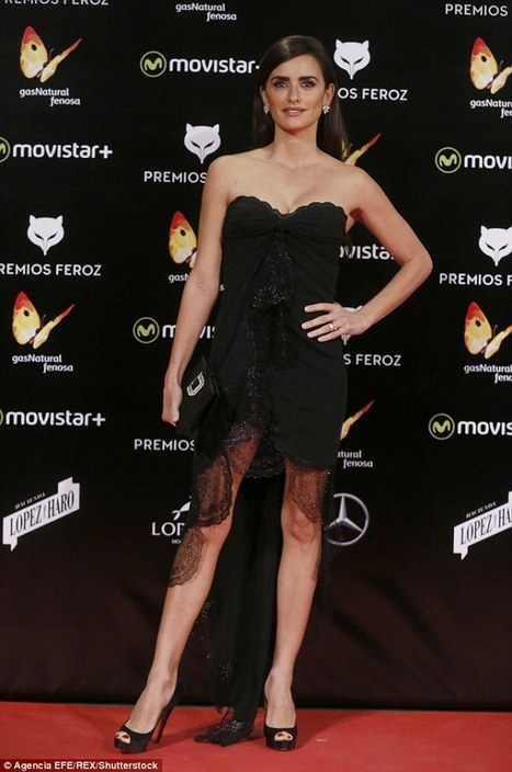 Penelope Cruz dares to bare in mini dress at Spanish cinema awards | Film news for AS and A2 | Scoop.it
