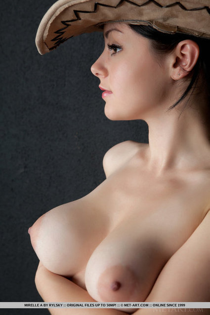 Mirelle A. | Busty Boobs Babes | Scoop.it