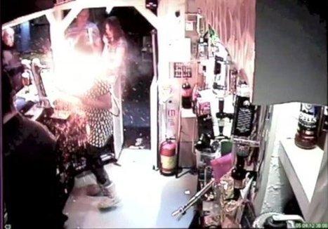 Une barmaid évite de graves blessures après l'explosion d'une cigarette électronique (+vidéo)   Toxique, soyons vigilant !   Scoop.it