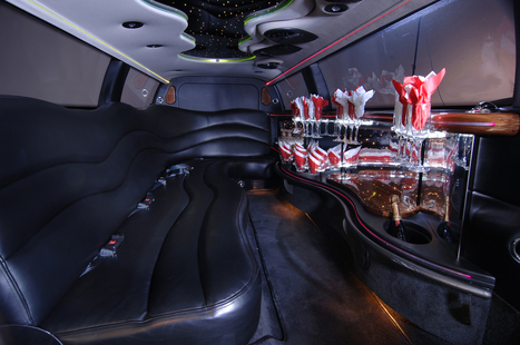 """10 Passenger Stretch Limousine 120"""" - Cooper Global 