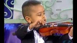 UVioO - Andre Rieu & 3 year old violinist, Akim Camara 2005   Make $80 Every Membership You Sell Paid Weekly - Free To Join - Free To Sell!   Scoop.it