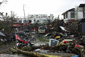 Typhoon: A crippled nation battles a tide of desperation -- Monday, November 18, 2013 -- www.eenews.net   Sustain Our Earth   Scoop.it