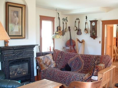 Display your collection of musical instruments for a stylish décor   Designing Interiors   Scoop.it