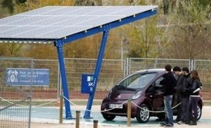 La primera fotolinera de energía solar de España | electric bikes barcelona | Scoop.it