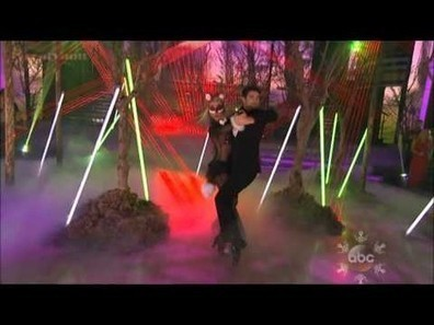 Ylvis performs 'The Fox' on 'Dancing With the Stars Finale' (video) - Examiner.com | Viral Dance | Scoop.it