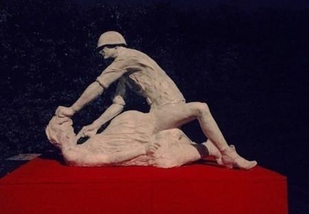 PIEDS D'ARGILE – En Pologne, la sculpture d'un soldat soviétique violeur énerve Moscou | Muséologie et communication interculturelle | Scoop.it