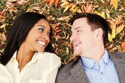 6 Tips for Interracial Couples Who Get Stares and Weird Comments | Mixed American Life | Scoop.it