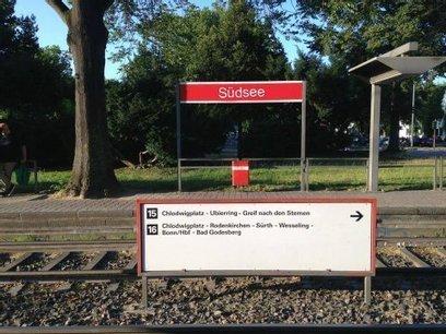 Streetart-Aktion: KVB beseitigt imaginäre Haltestellen   Poesie, Kunst, Literatur, Spiel, Fluxus, Netzliteratur, Medienkunst, Netzkunst   Scoop.it
