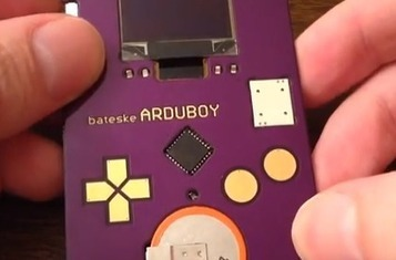 If You Watch One Video Of An Arduino-Powered, Tetris-Playing Business Card Today, Make It This One | TechCrunch | GeekGasm | Scoop.it