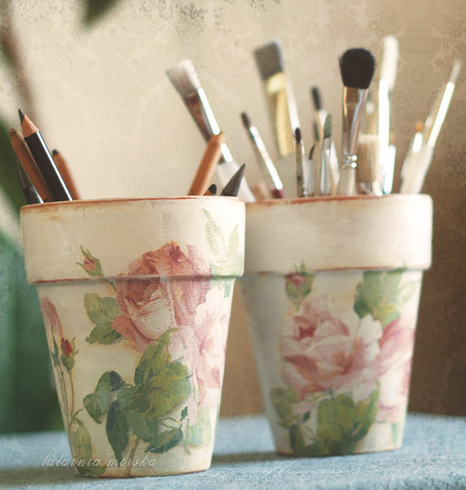 shabby chic roses flowerpots - a photo on Flickriver | DIY | Scoop.it