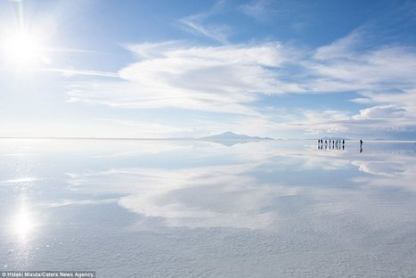 Man captured walking on water at world's largest salt flat in Bolivia | Everything from Social Media to F1 to Photography to Anything Interesting | Scoop.it