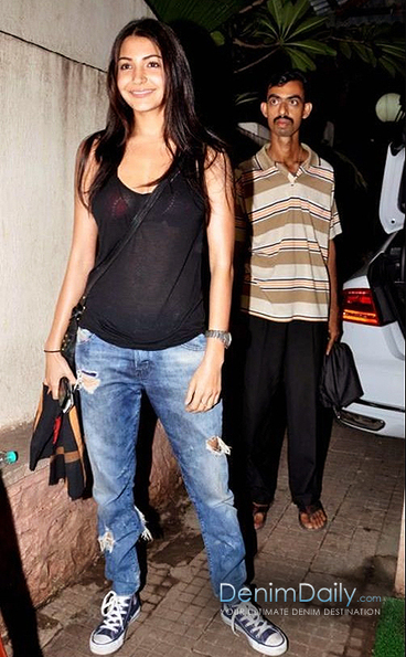Anushka Sharma In Destroyed Jeans | Denim Daily | Denim Daily | Scoop.it