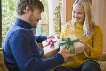 Best Birthday Gift Ideas For Boyfriend - Hapfashion | Fashion and gifts | Scoop.it