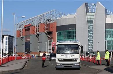 Fake bomb at Man United sparks renewed security fears   sports facility   Scoop.it