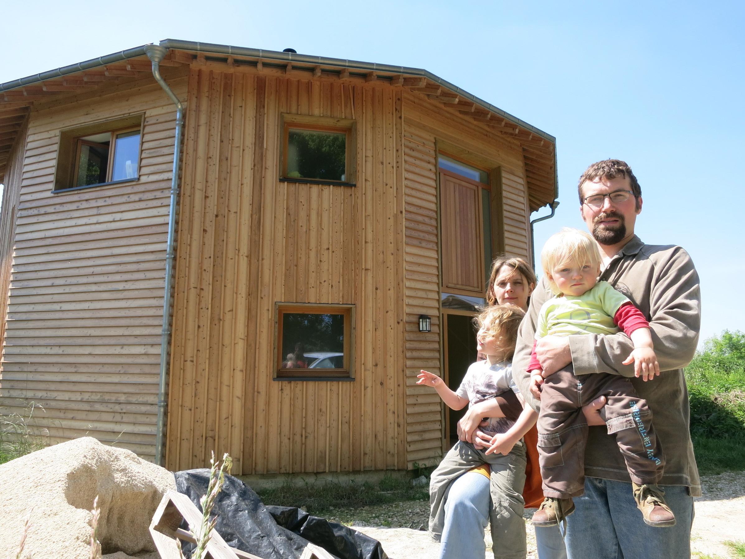 T moignage vivre dans une maison ronde for Maison bois ronde tournante
