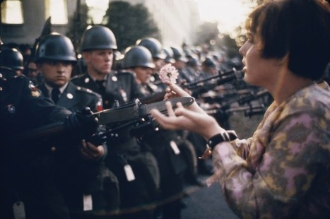 The 60 Most Powerful Photos Ever Taken That Perfectly Capture The Human Experience ~ Distractify | Scriveners' Trappings | Scoop.it