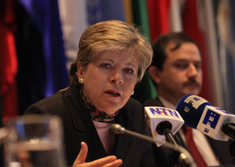 ECLAC - New Record High of 173.361 Billion Dollars of Foreign Direct Investment Received by the Region in 2012 | Desenvolvimento | Scoop.it