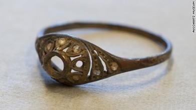 Treasures found hidden in Auschwitz mug | DiverSync | Scoop.it