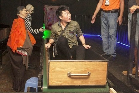 """Creepy """"Death Simulator"""" Allows People to Experience Being Cremated 