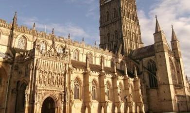 Une ancienne cathédrale s'équipe de panneaux solaires en Angleterre - Les-SmartGrids.fr | Veille Technologique | Scoop.it
