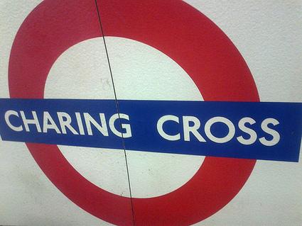 Sur la piste de l'enseigne occupant actuellement les lieux du 84 Charing Cross | l'univers de la librairie | Scoop.it