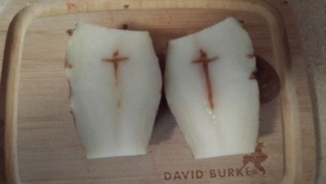 Man sees divinity in sliced potato | It's Show Prep for Radio | Scoop.it